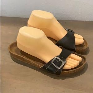Authentic Naot black leather sandals Sz 10